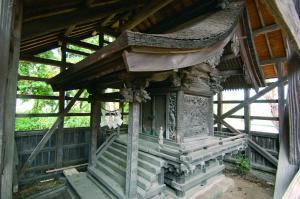 彫刻の見事な貴布禰神社