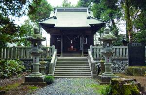 鎮守の森の美しい神明神社